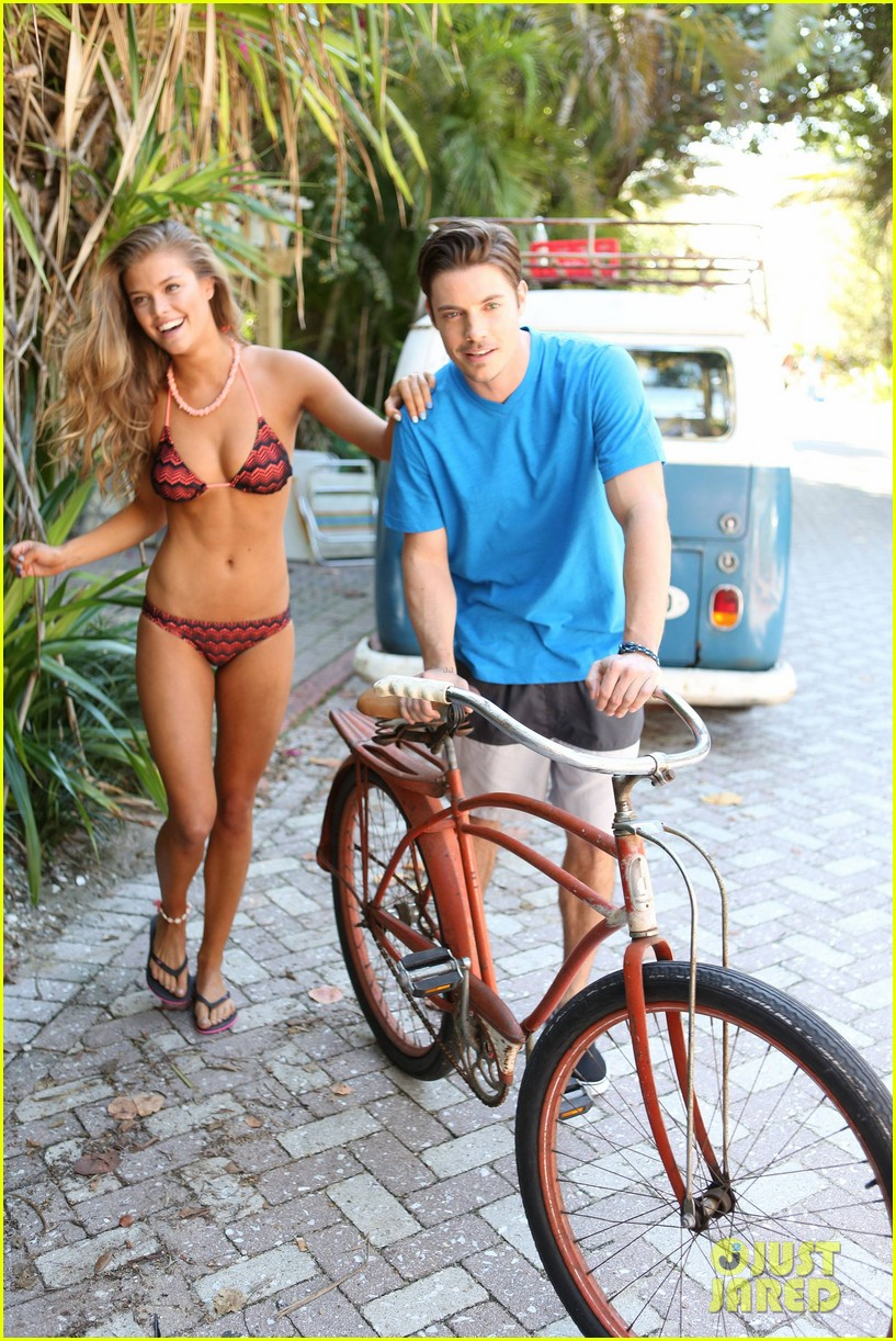 shirtless josh hendersons six pack is unreal in op ads with bikini clad nina agdal 133070400