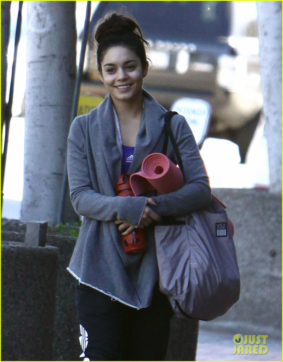 vanessa hudgens loves hugging trees see the cute pic 063068580
