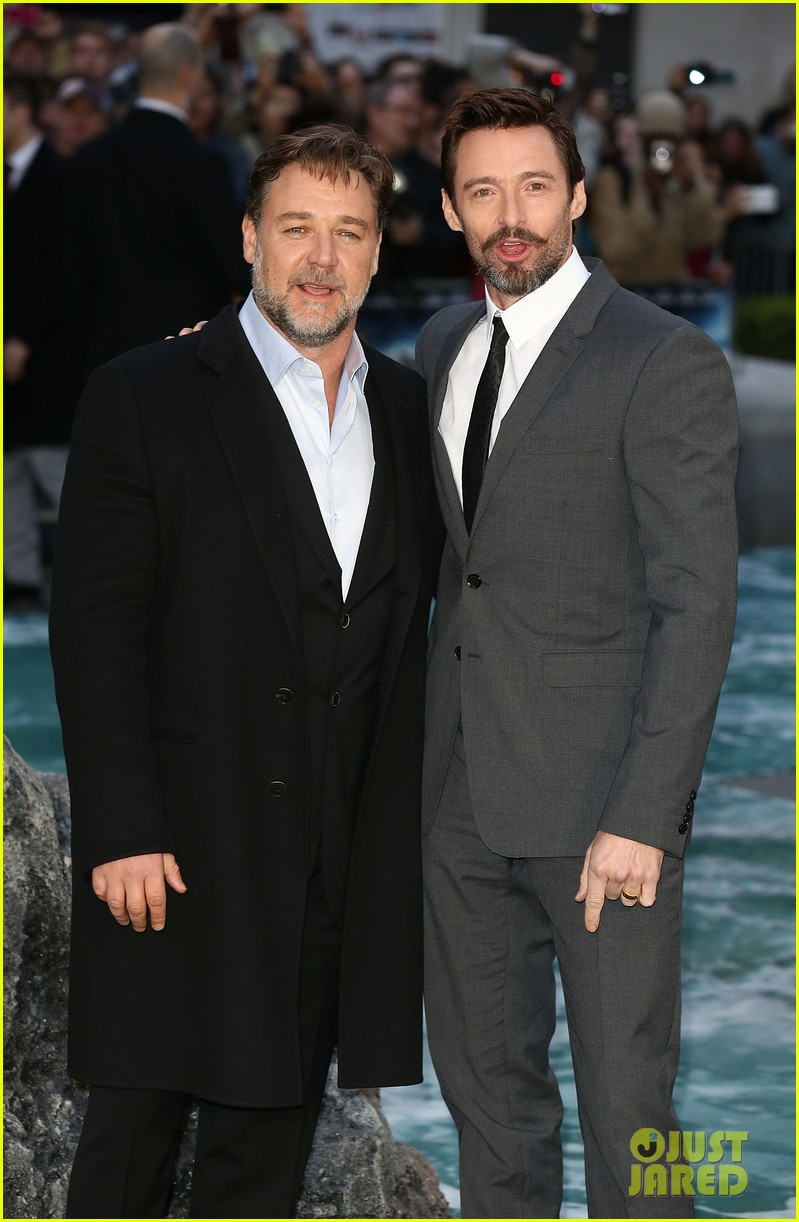 hugh jackman supports russell crowe noah uk premiere 123082422
