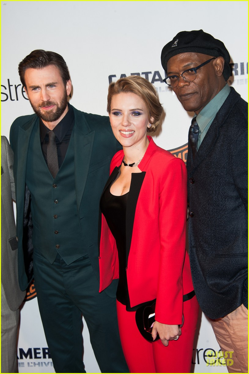scarlett johansson chris evans captain america paris 073073565