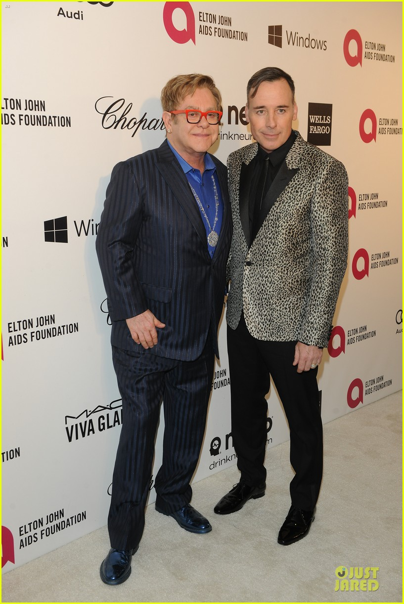elton john david furnish fierce hosts at annual aids oscars party 2014 013064337