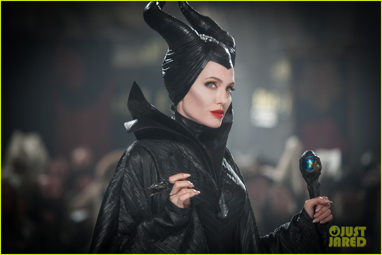 angelina jolie new maleficent trailer stills 04