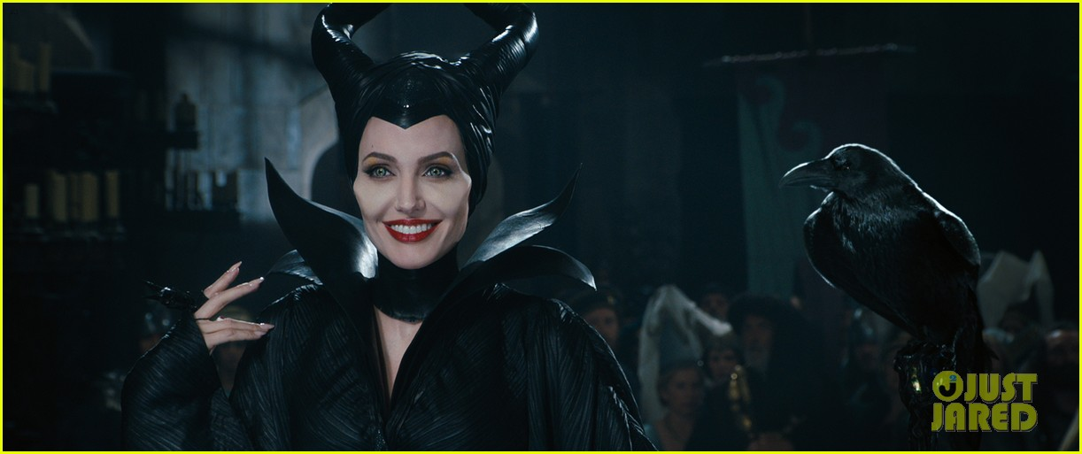 angelina jolie new maleficent trailer stills 14