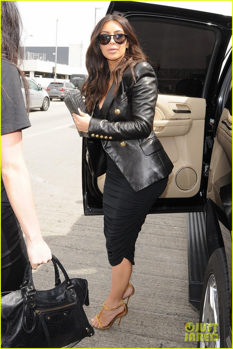 kim kardashian involved in minor car accident in beverly hills 06
