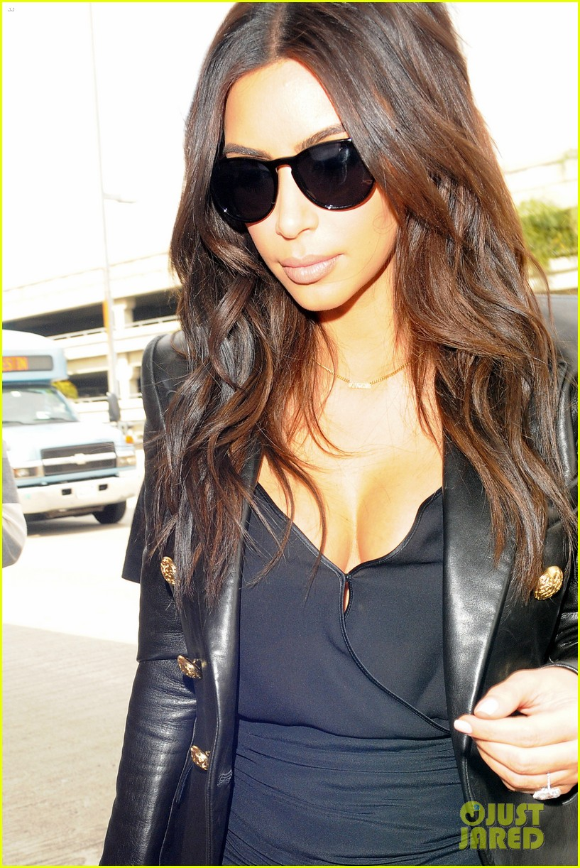 kim kardashian involved in minor car accident in beverly hills 20