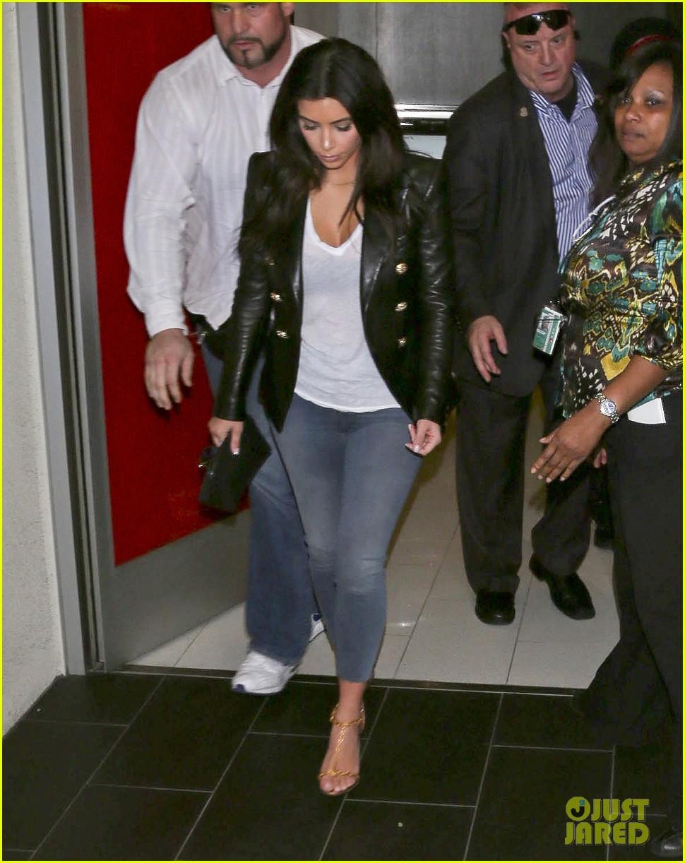 kim kourtney khloe kardashian back in los angeles after miami trip 053071368