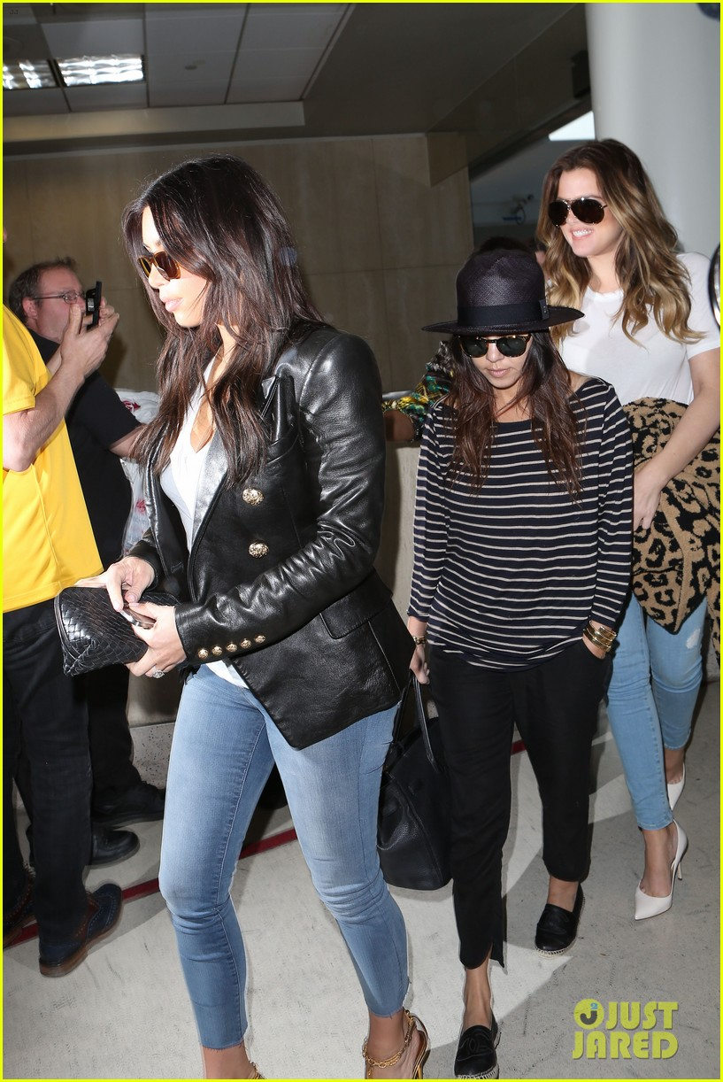 kim kourtney khloe kardashian back in los angeles after miami trip 09