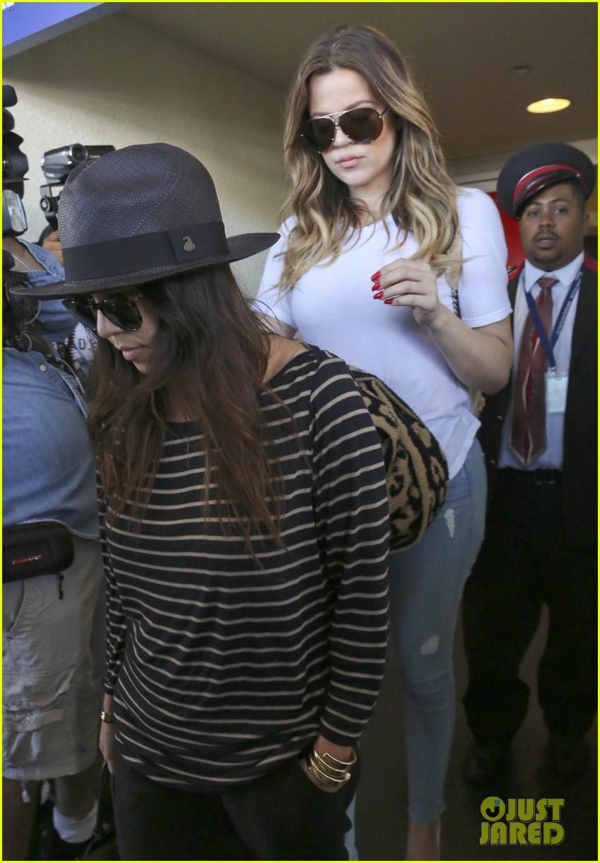 kim kourtney khloe kardashian back in los angeles after miami trip 29