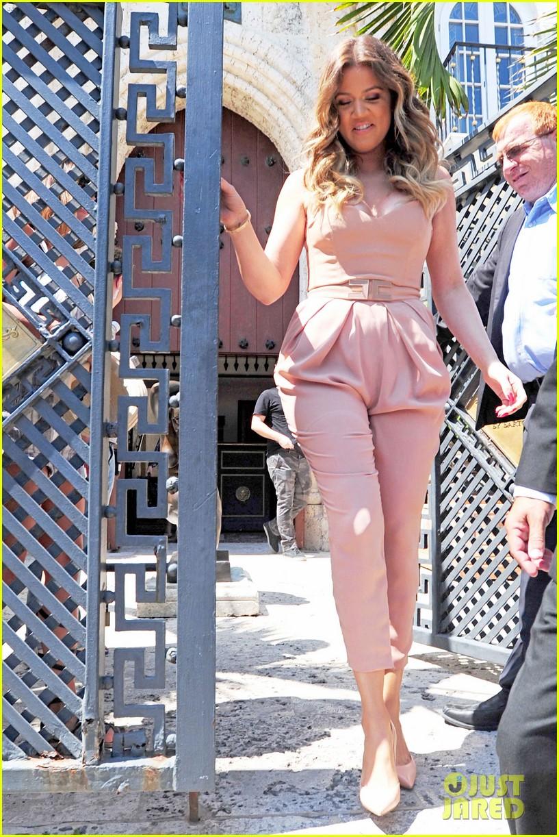 kim kardashian steals kylie jenners bikini 24