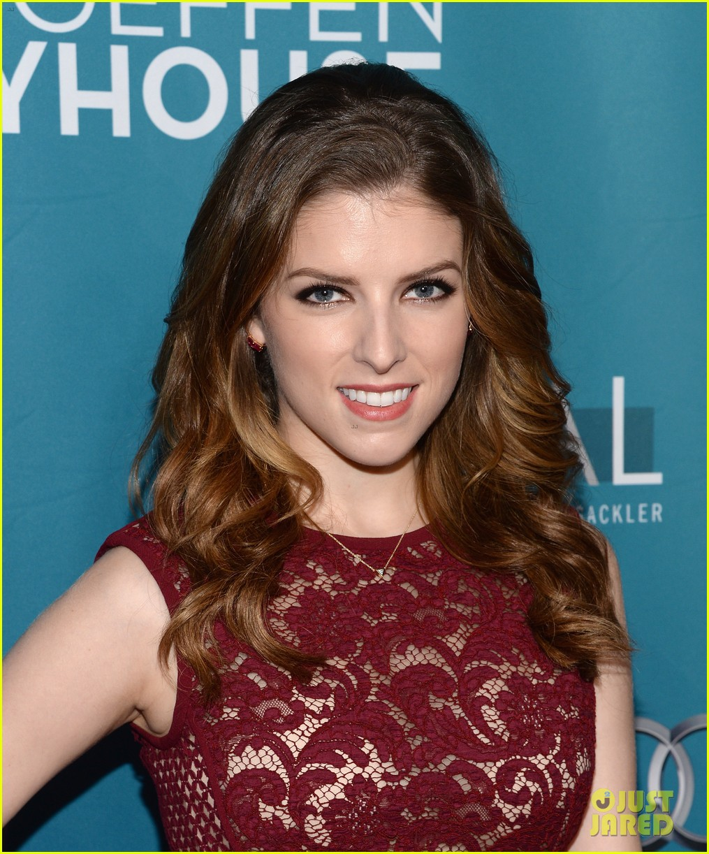anna kendrick 2 broke girls geffen playhouse gala 023076940