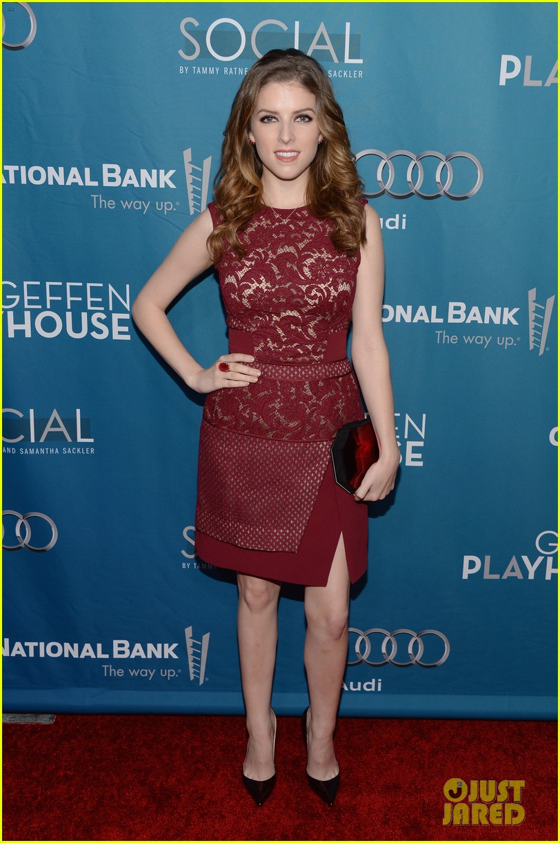 anna kendrick 2 broke girls geffen playhouse gala 083076946