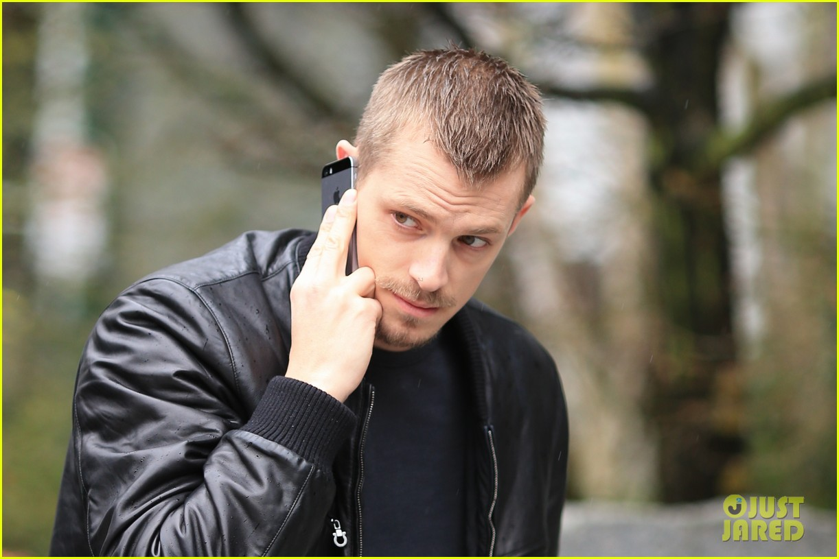 joel kinnaman looks leather jacket cool on the killing set 053067861