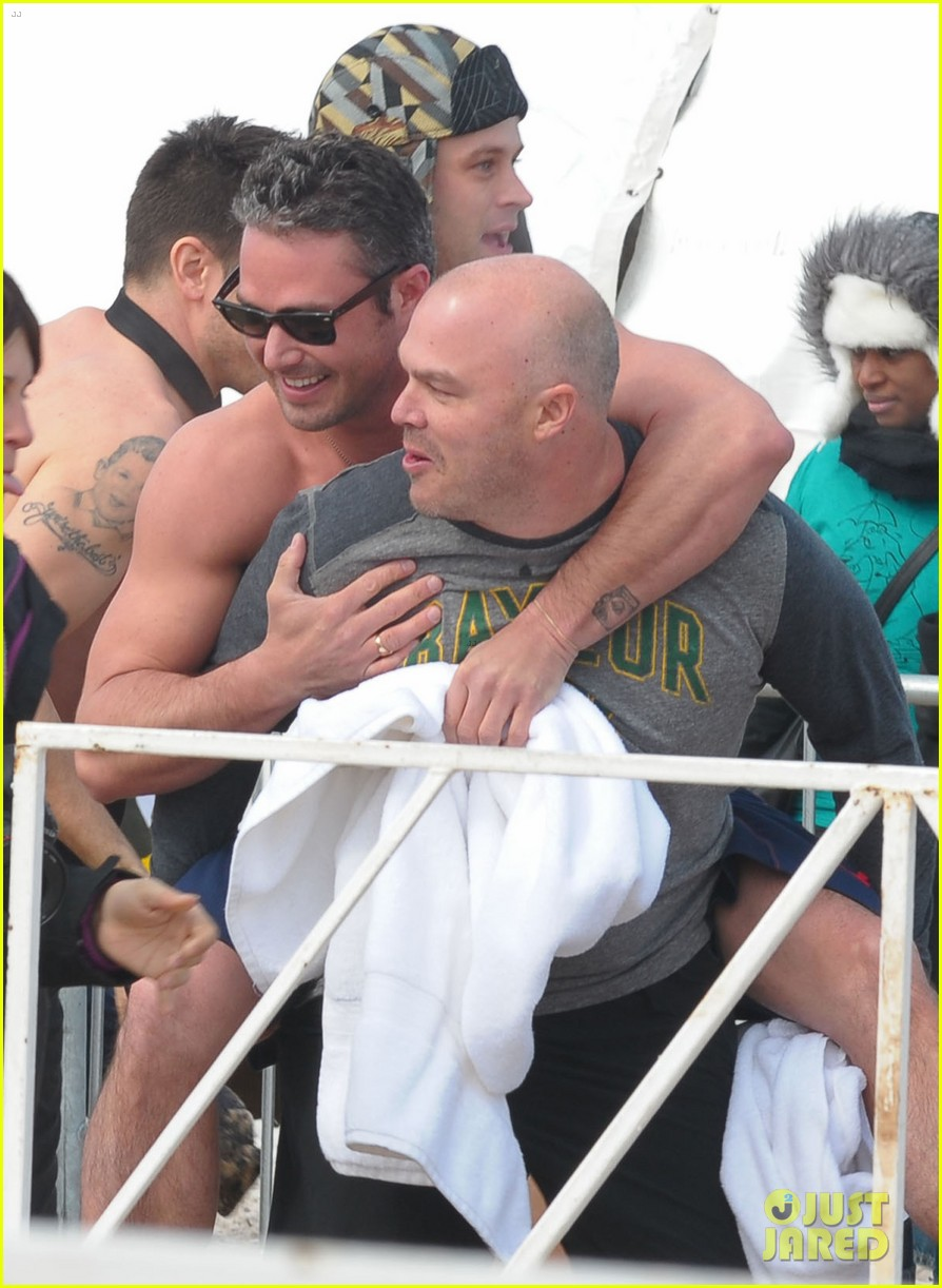taylor kinney goes shirtless for polar plunge in chicago 07