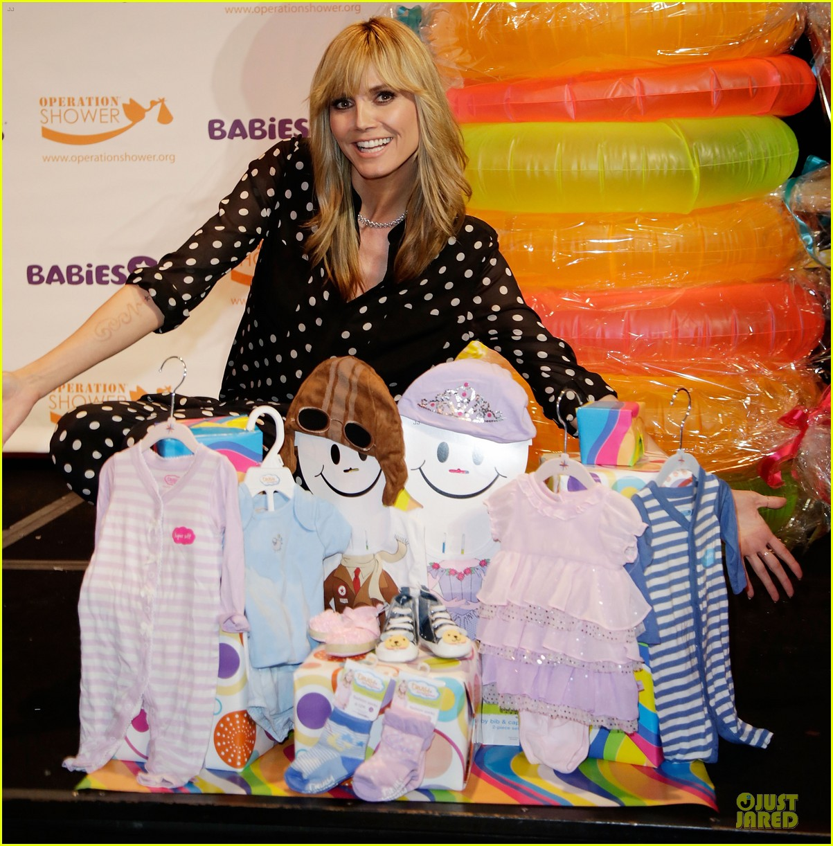 heidi klum is a polkadot sheer host at babies event 02