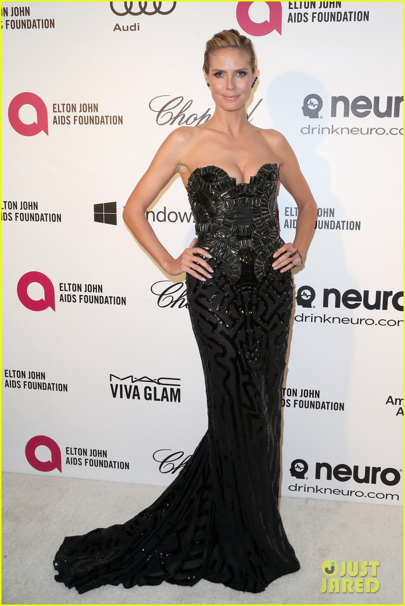 heidi klum donatella versace meet up at elton john oscars party 2014 03
