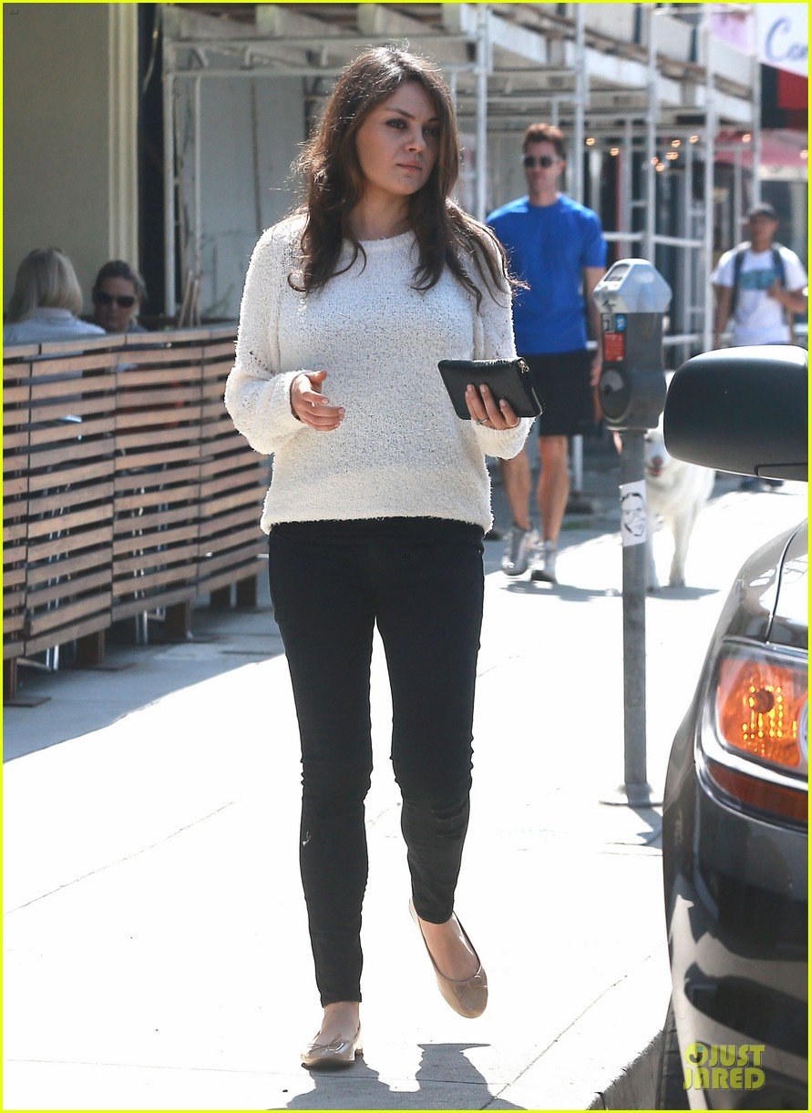 mila kunis brightens up the day with shopping 013072343