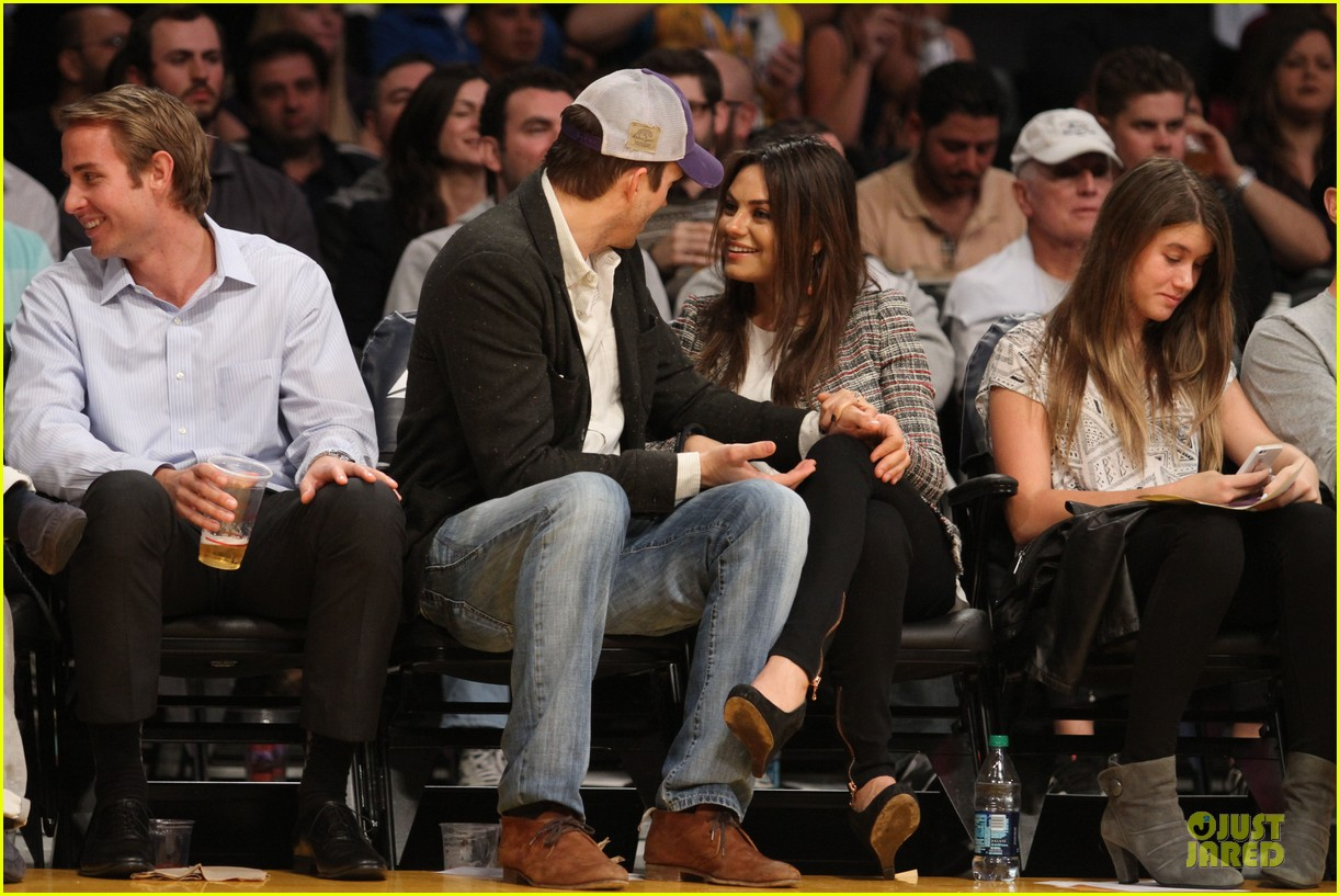 mila kunis will play ashton kutcher love interest 123066319