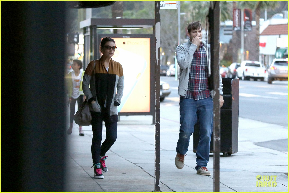 ashton kutcher mila kunis grab dinner as newly engaged couple 24