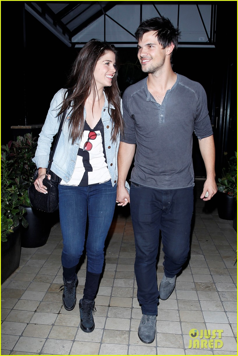 taylor lautner marie avgeropolous look so in love on dinner date 11