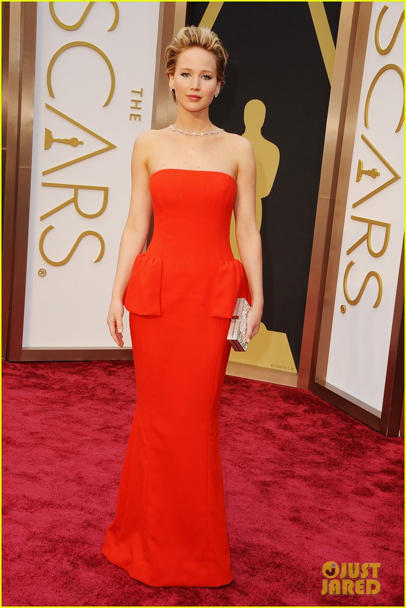 jennifer lawrence oscars 2014 red carpet 033063857