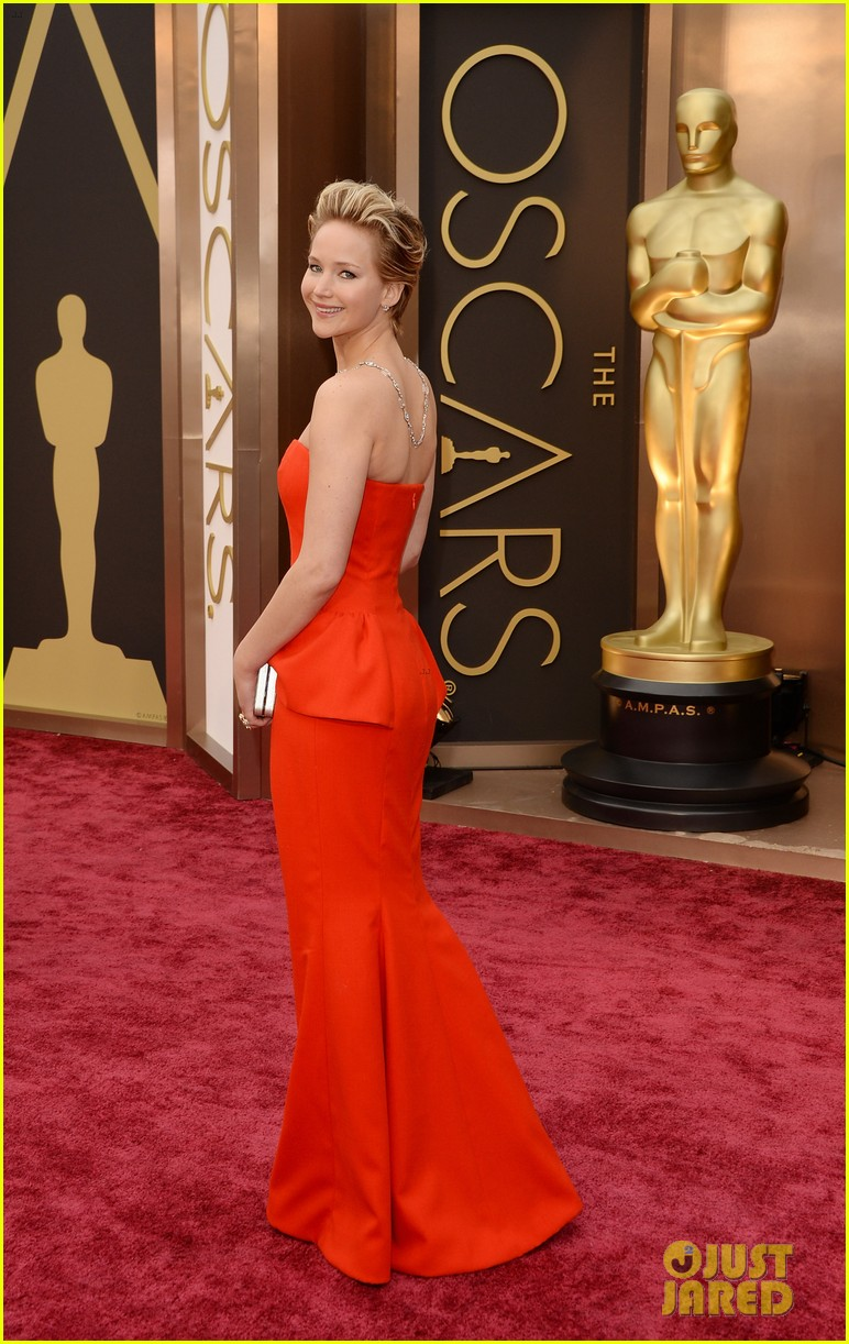 jennifer lawrence oscars 2014 red carpet 12
