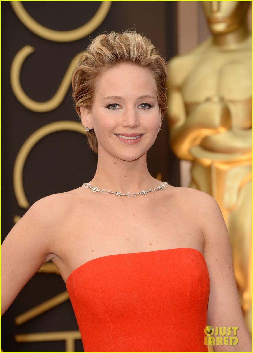 jennifer lawrence oscars 2014 red carpet 143063868