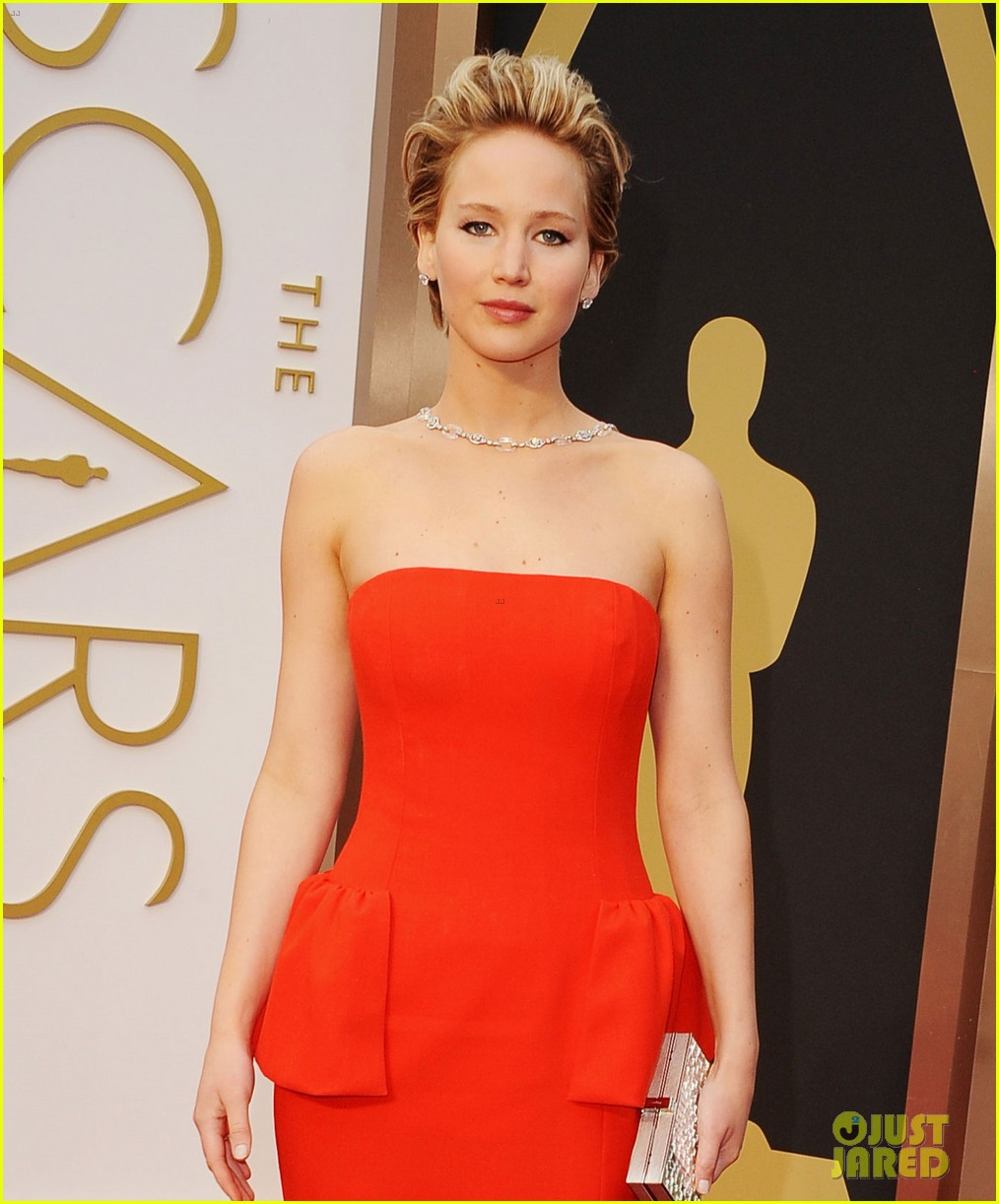 jennifer lawrence oscars 2014 red carpet 153063869