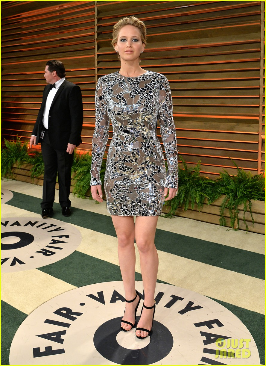 jennifer lawrence vanity fair oscars party 2014 013064511