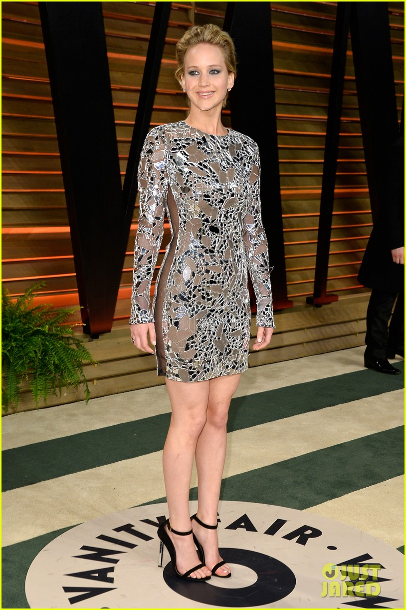 jennifer lawrence vanity fair oscars party 2014 03