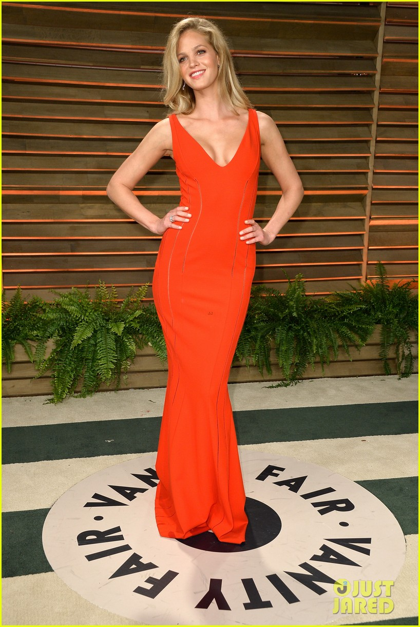 lily aldridge vanity fair oscars party erin heatherton 2014 02
