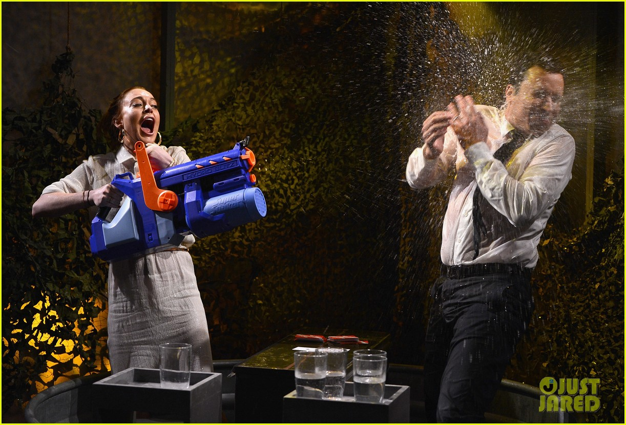 lindsay lohan gets water thrown in her face by jimmy fallon 05