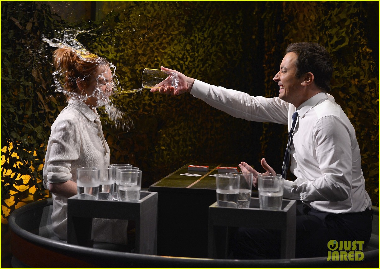 lindsay lohan gets water thrown in her face by jimmy fallon 07