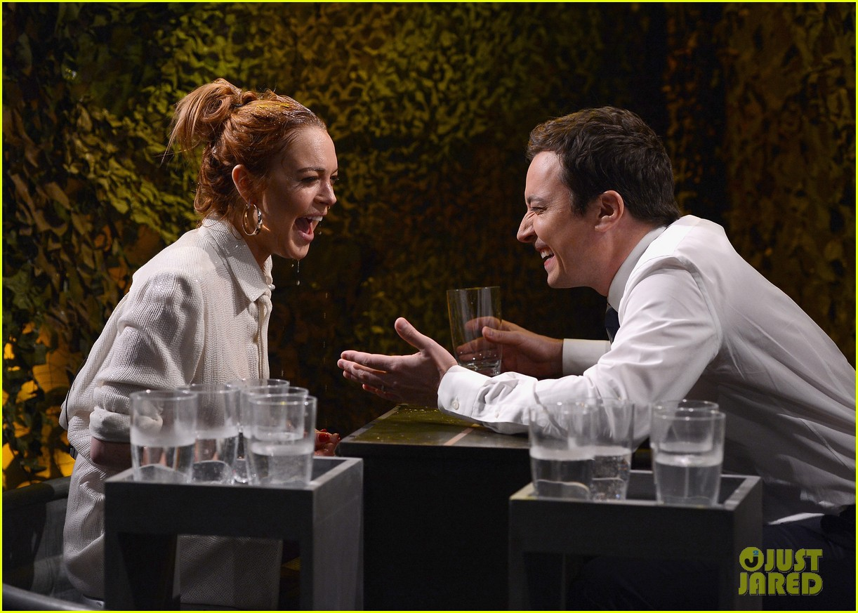 lindsay lohan gets water thrown in her face by jimmy fallon 10