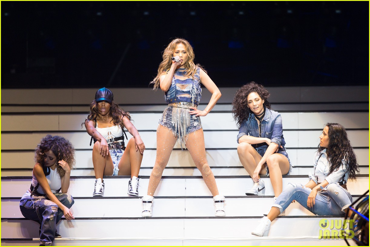 jennifer lopez dubai concert photos 093081520