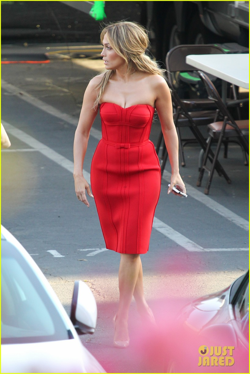 jennifer lopez is red hot for american idol results show 28