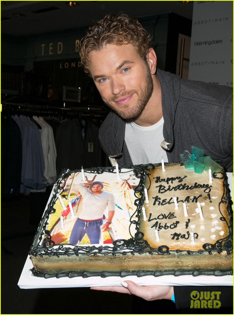kellan lutz continues birthday celebrations abbot main 023077372