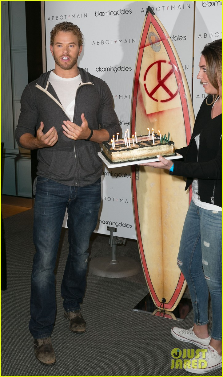 kellan lutz continues birthday celebrations abbot main 14