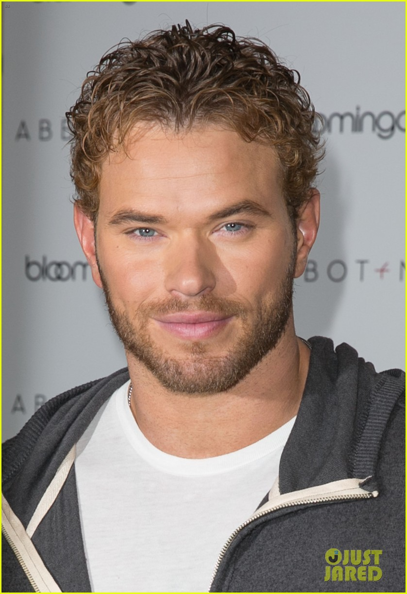 kellan lutz continues birthday celebrations abbot main 203077415