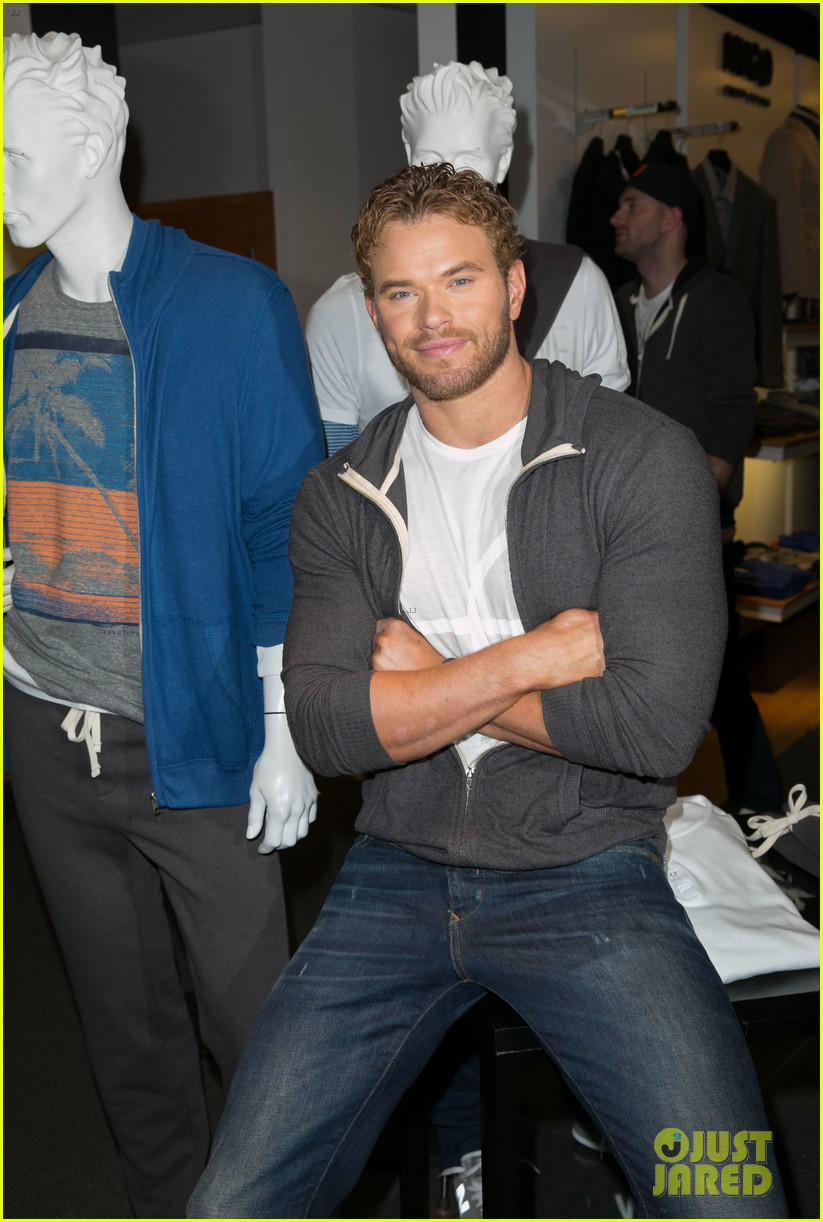 kellan lutz continues birthday celebrations abbot main 22