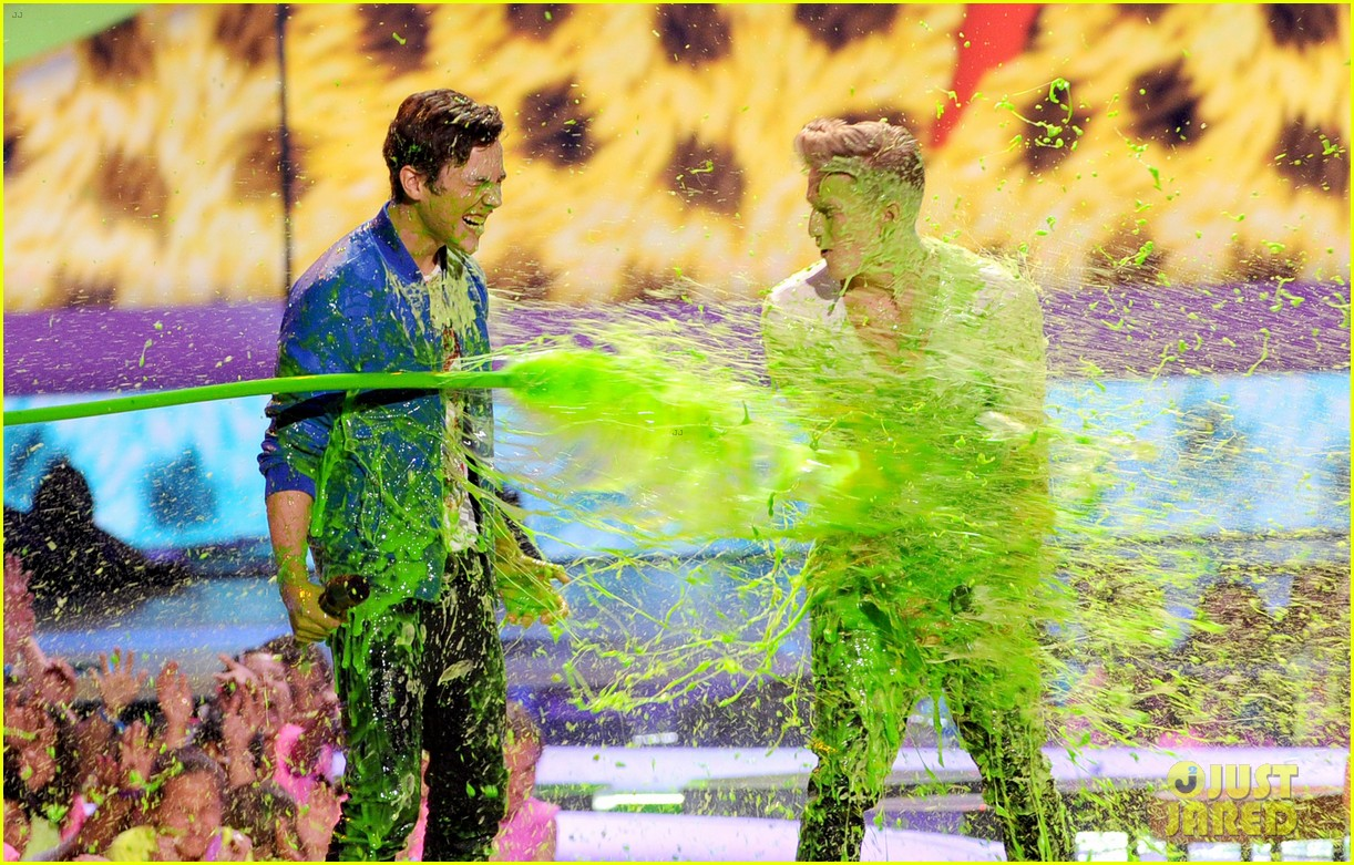 Mahone & Cody Simpson Get Slimed Together at Kids' Choice Awards 2014