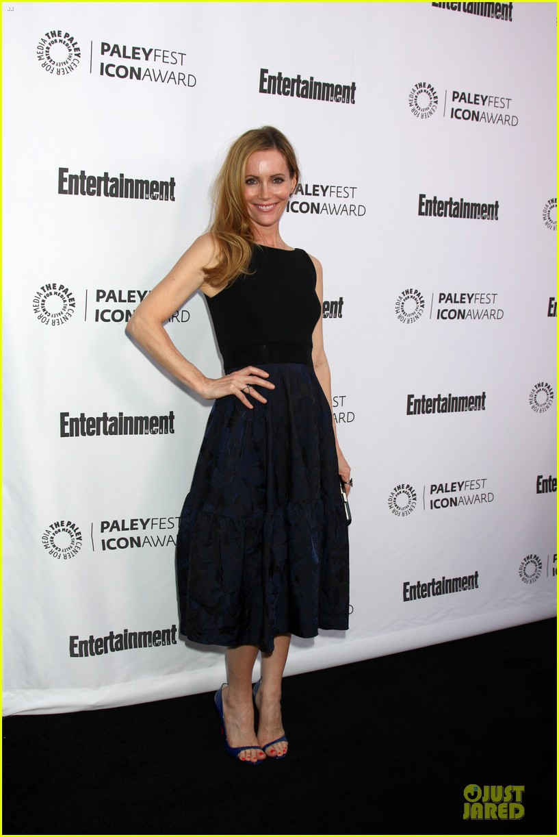 leslie mann support judd apatow at paleyfest 05