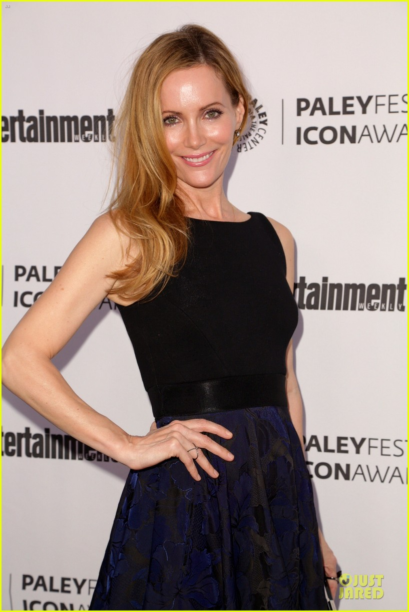 leslie mann support judd apatow at paleyfest 063070242