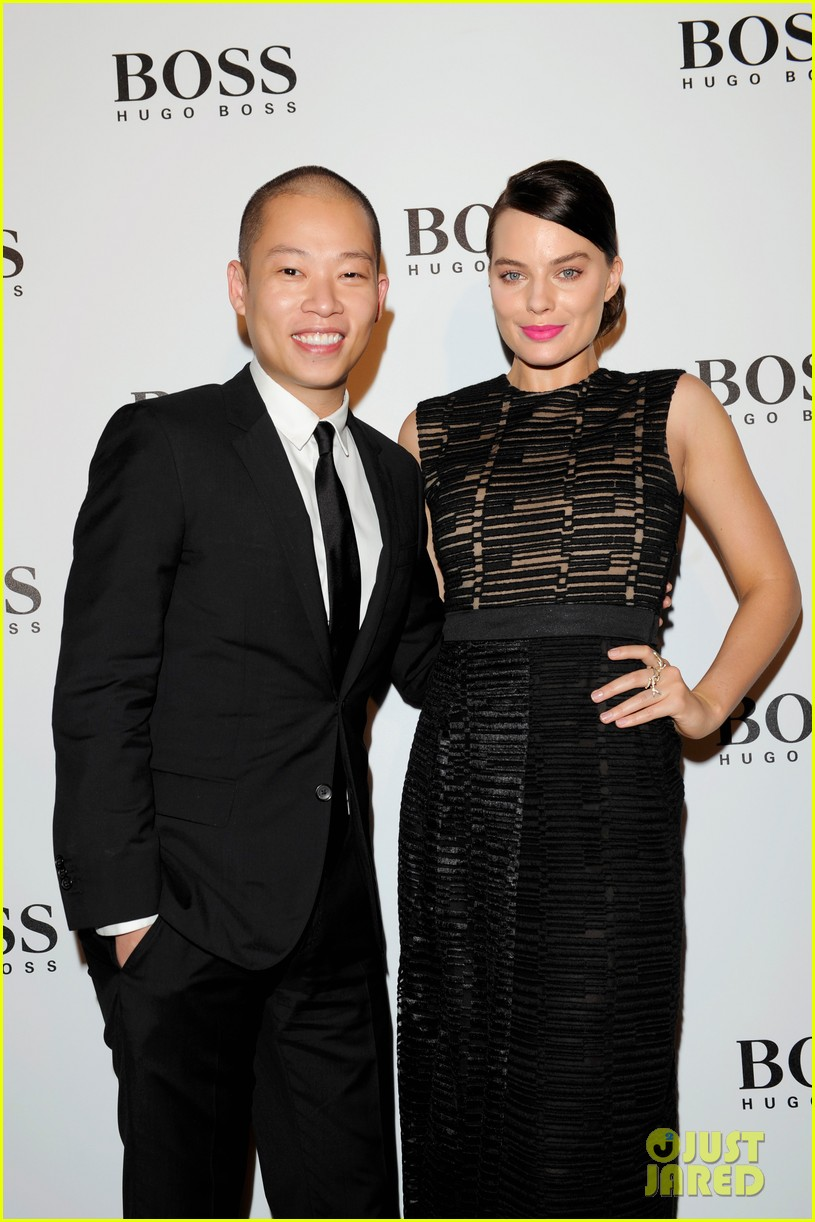 margot robbie helps jason wu celebrate his big night for hugo boss 043080526