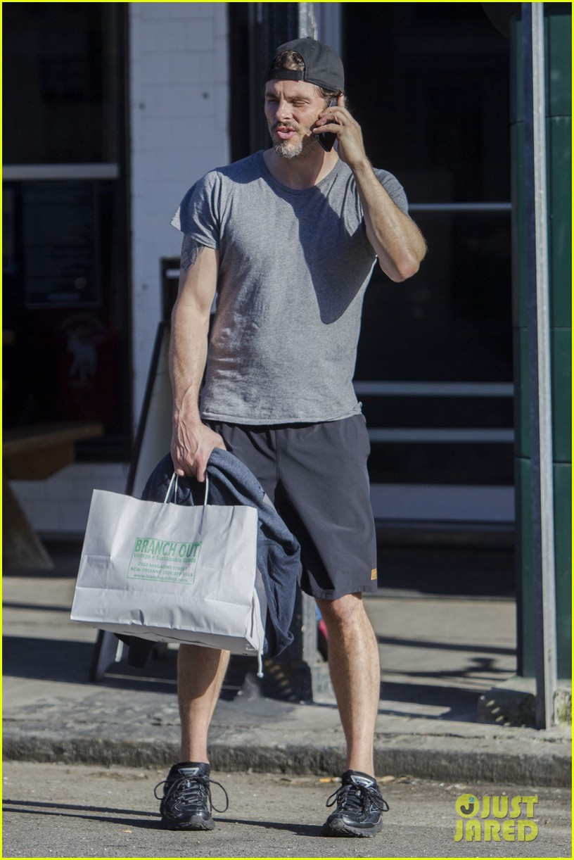 james marsden does some shopping on his time off from d train 043071893