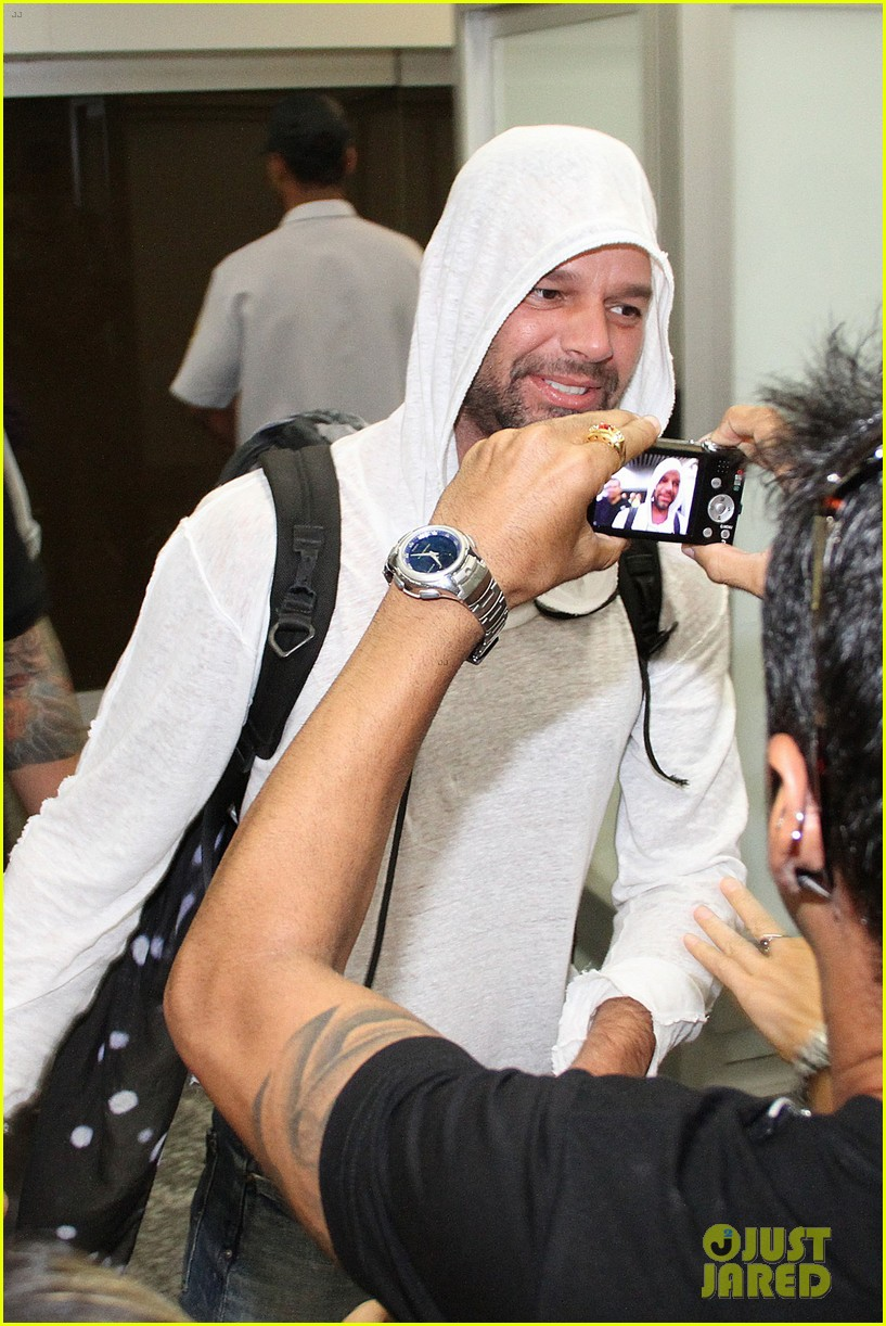 ricky martin to fans you deserve to be happy 21