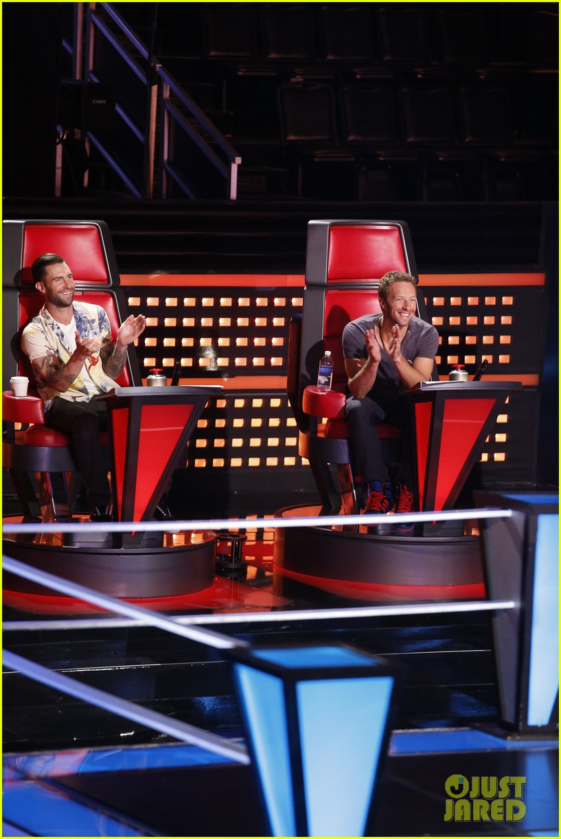 chris martin helps coaches on the voice 093082524