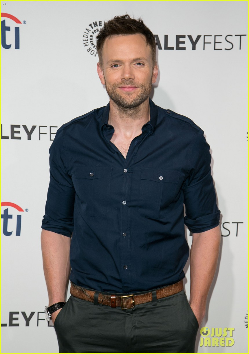 joel mchale gillian jacobs are honored at paleyfest for community 12