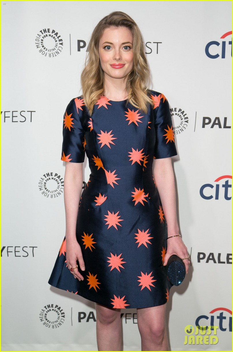 joel mchale gillian jacobs are honored at paleyfest for community 21