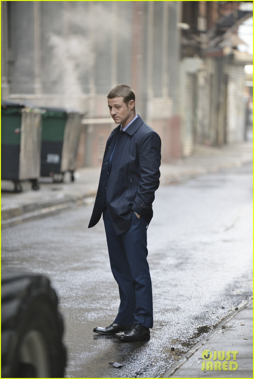 ben mckenzie donal logue gotham fight scene 14