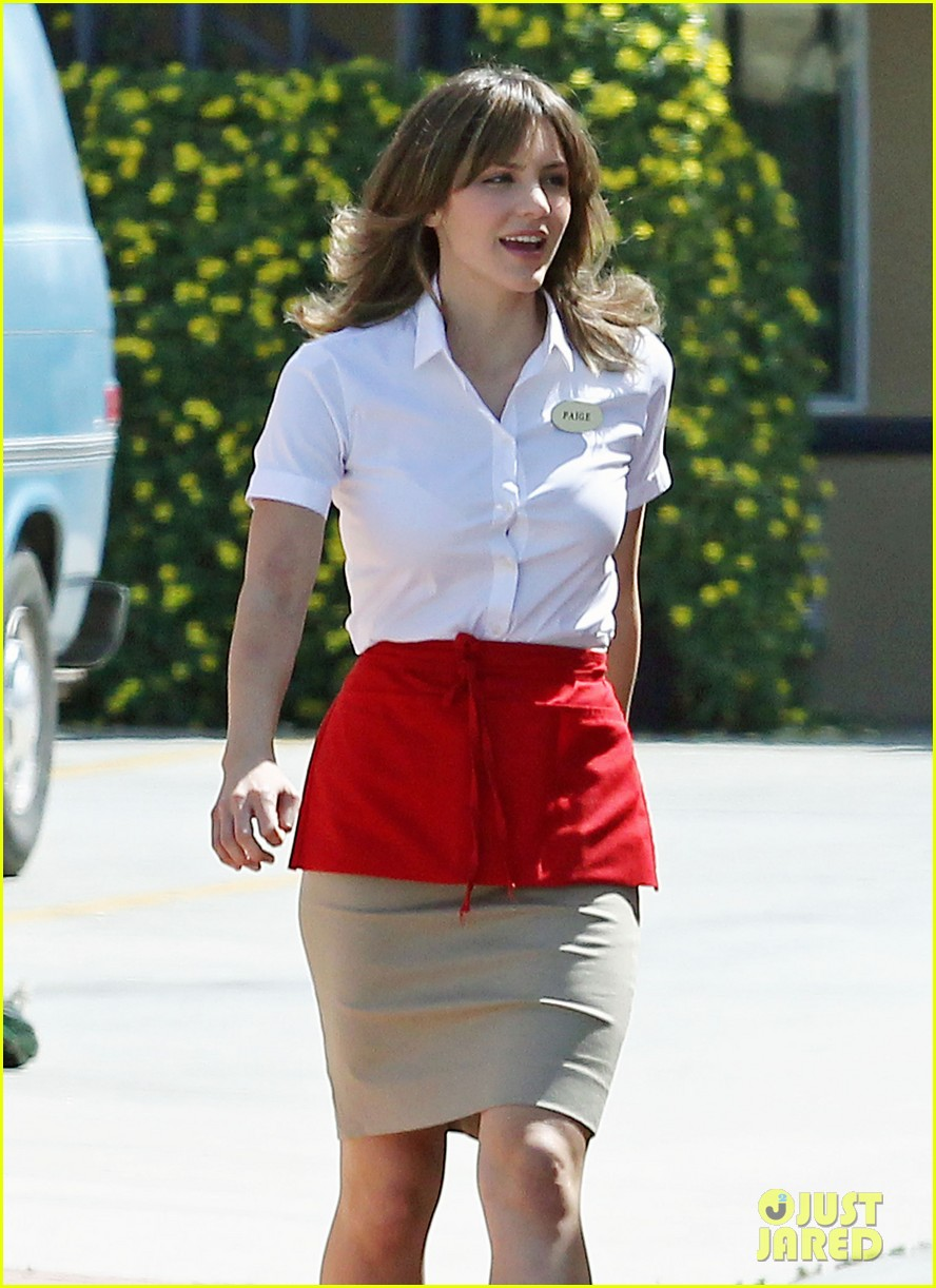 katharine mcphee begins filming scorpion just one day after news breaks 04